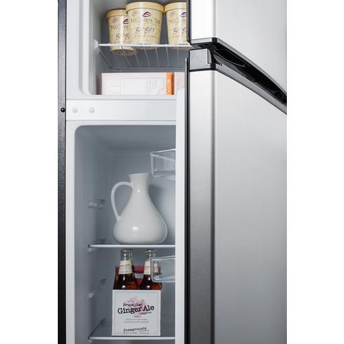 CP972SS Refrigerator Freezer Detail