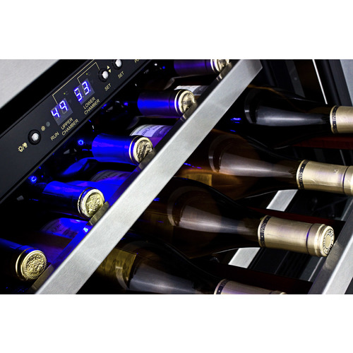 SWC530BLBIST Wine Cellar Detail