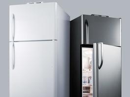 BKRF21B Refrigerator Freezer Detail