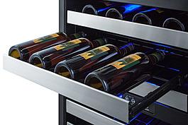 SWC532BLBISTPNR Wine Cellar Detail