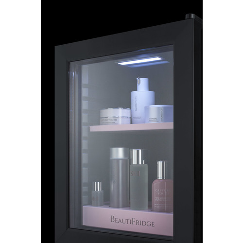 LX114LP Refrigerator Detail