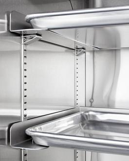 FFAR12WRI Refrigerator Detail