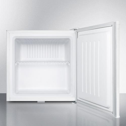 FS21L Freezer Open